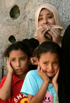 Gaza_children_mourn